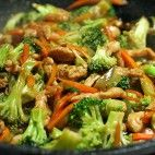 Dnes by som sa rada s vami podelila o tento skvelý recept na kuracie mäso s… Broccoli, Paleo, Beef, Vegetables, Food, Meat, Essen, Beach Wrap, Vegetable Recipes