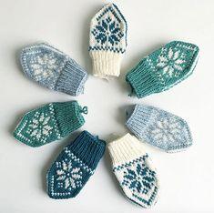 Ravelry: SelbuBaby pattern by Tonje Haugli Diy Knitting Projects, Kids Knitting Patterns, Knitting For Kids, Knitting For Beginners, Loom Knitting, Baby Mittens, Crochet Mittens, Mittens Pattern, Knitted Gloves