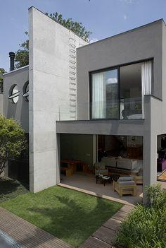 Residência Rua General Fonseca Telles / Clarissa Strauss #green #exterior #facade