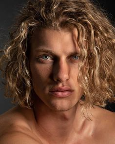 The long hair style for men specially curly hair is getting trendy in men of all ages. The combination of curly and long hair gives sexy and awesome look to the personality. Long Blonde Curly Hair, Blonde Hair Boy, Boys With Curly Hair, Blonde Boys, Long Hair Guys, Blond Men, Chic Haircut, Tapered Haircut, Boys Long Hairstyles