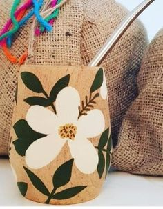 Pottery Painting Designs, Paint Designs, Tea Cup Drawing, Craft Projects, Projects To Try, Decorated Flower Pots, Flower Pot Design, Deco Nature, Macrame Plant Hangers