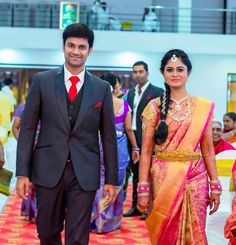 Weddings Discover The Sweet Warm And Fuzzy Tirupur Wedding Wedding Dresses Men Indian, Indian Wedding Couple, Indian Bride And Groom, South Indian Bride, Indian Bridal, Wedding Suits, Wedding Couples, Wedding Couple Poses Photography, Indian Wedding Photography