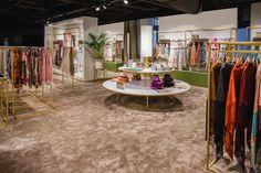 #Studioforma #Jelmoli #HouseofBrands #Zurich #Departmentstore #Interior #Design #Decor #Carpet #Lighting #Rugs #Table #Merchandising #Fashion #Accessories