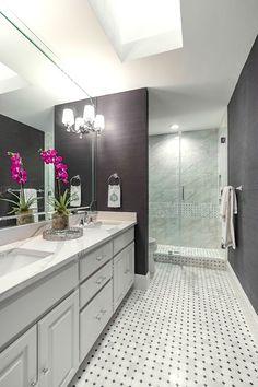 Guest bathroom remodel before and after. #deltafaucet #deltaliving #ad
