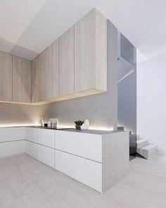 Als je aan een huis in Oekraïne denkt, zul je niet zo snel aan een modern, minimalistisch en Scan...