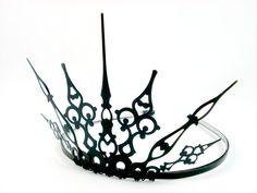 Gothique 2.0 - Simple Black Filigree Gothic Tiara.