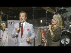 Rex Nelon, Kelly Nelon, Janet Paschal, & Rodney Swain singing the Rex Nelon Singers classic at Nelons Reunion.