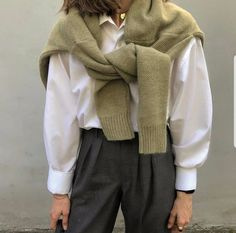 Trendy casual look for fall. Looks Street Style, Looks Style, Looks Cool, My Style, Daily Style, Mode Outfits, Fall Outfits, Casual Outfits, Fashion Outfits