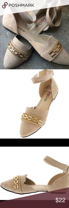 """""""Trish"""" ONE PAIR LEFT🎉🎉 Tan Gold Studded Flat The thick chain detailing along the toe of these flats makes them a must-have!  Features a thick chain detail along pointed toe Thick ankle strap with zipper back closure Man made materials.  SHIPS SAME DAY/NEXT DAY 📦 Red Circle Shoes Flats & Loafers"""