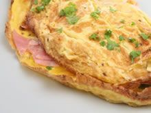 Omelette-souffle with ham and cheddar! Omelettes, Quiches, Fish Recipes, Whole Food Recipes, Healthy Recipes, Cottage Cheese Omelette Recipe, Whole Foods, Kitchens, Ground Beef Recipes
