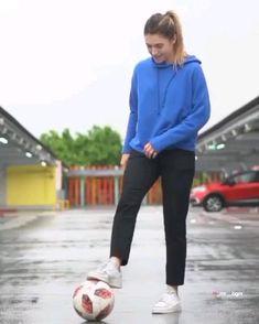Soccer Footwork Drills, Soccer Practice Drills, Soccer Training Drills, Football Is Life, Football Girls, Girls Soccer, Football Soccer, Soccer Jokes, Soccer Tips