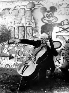 Rostropovich plays Bach for a united Berlin On November 11, 1989, two days after the official fall of the Berlin Wall, Mstislav Rostropovich staged an impromptu performance of Bach's cello suites at the frontier. Photo: PA