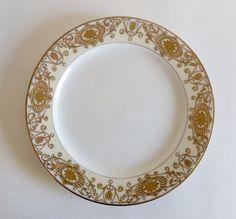 "Vintage 10/"" Noritake Dinner Plate In #16034 Christmas Ball Pattern #175"