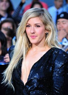 Ellie Goulding stuck to her signature long #hairstyle at the premiere of #Divergent!