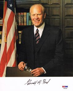 President Gerald Ford Signed Auto Autographed 8x10 Photo PSA DNA U05228 #president #gerald #ford #signed #autograph #keepersunlimited #history