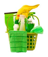 How to Make a Non-Toxic Cleaning Kit. This sums up all the natural cleaners in one place I think Cleaning Checklist, Cleaning Kit, House Cleaning Tips, Cleaning Supplies, Cleaning Services, Bathroom Cleaning, Office Cleaning, Cleaning Business, Weekly Cleaning