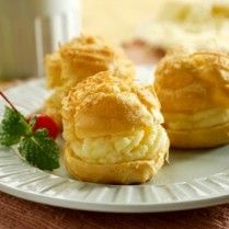 Cheese Choux with Cheese filling. Recipe in Bahasa Indonesia. Tart Recipes, Baking Recipes, Snack Recipes, Snacks, Indonesian Desserts, Indonesian Cuisine, Bakery Cakes, Dessert Drinks, Easy Meals