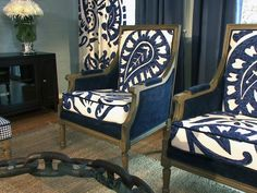 Classic chairs with lovely floral patterning which is replicated in the drapes. Design by David Bromstad