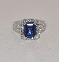 3.72ct sapphire & diamond ring in 18kt white gold