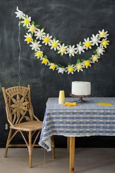 DIY Ideas With String Lights - Cute DIY String Light Ideas - DIY Daisy String Light Tutorial - Easy, Fun, Cool Decor To Make With String Lights - Cheap Room Decor Ideas for Teens, Fun Apartment Lighting Projects and Creative Ways to Decorate Your Bedroom - How To Decorate Teens and Teenagers Bedrooms #teencrafts #diyideas #stringlights Cheap Room Decor, Diy Bedroom Decor, Cosy Bedroom, Teen Bedroom, Diy Craft Projects, Diy Crafts, Daisy Party, Paper Daisy, Paper Flowers