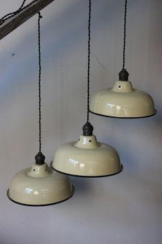 abat jour emaillee lampe industrielle blanc cassé