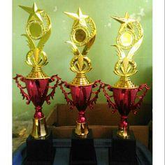 Saya menjual Piala Set Juara 123 model Cup Manik seharga Rp86.000. w.a 0856-0729-0262. Dapatkan produk ini hanya di Shopee! https://shopee.co.id/rumahtrophy/767807784 #ShopeeID