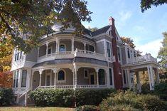Queen Anne Victorian home, the Jesse Settlemier Mansion - Oregon