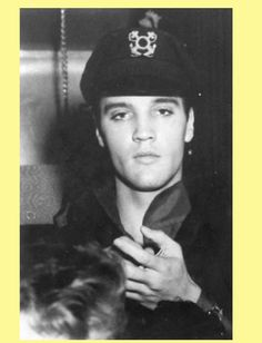Photo of ★ Elvis ☆ for fans of Elvis Presley 32825912 Elvis Und Priscilla, King Elvis Presley, Elvis Presley Movies, Elvis Presley Photos, Rock And Roll, Young Elvis, Thing 1, People Of Interest, Music Like