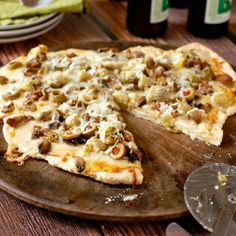 ... Pizza + Mushrooms on Pinterest | Mushrooms, Pizza and White pizza