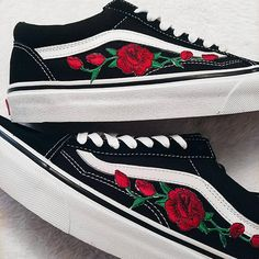 651acb3c5c Rose Buds Red Blk Unisex Custom Rose Embroidered-Patch Vans Old-Skool  Sneakers