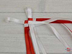 Two white ribbon loops on lei Ribbon Lei, Ribbon Braids, Diy Ribbon, White Ribbon, Ribbons, Ribbon Barrettes, Under Braids, Graduation Leis, Graduation Flowers