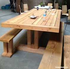 DIY Wood Pallet Table Inspiring DIY Wood Pallet Projects