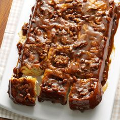 Caramel-Pecan Cinnamon Rolls Recipe -These irresistible rolls are perfect for an Easter brunch! Caramel Pecan Cinnamon Rolls Recipe, Pecan Rolls, Apple Cinnamon, Cinnamon Recipes, Pecan Recipes, 13 Desserts, Dessert Recipes, Breakfast Recipes, Breakfast Items