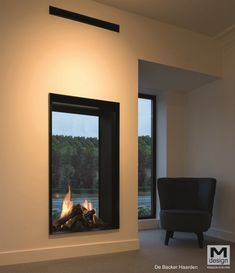 See Through Fireplace, Minimalist Home, House Rooms, Home Living Room, My Dream Home, Decoration, Tiny House, Sweet Home, New Homes