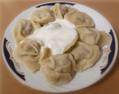 New Absolutely Free Pelmeni are small dumplings filled with minced meat and are among the . Thoughts Pelmeni are small dumplings filled with minced meat and are one of the Russian national dishes. The Russian Pastries, Russian Dishes, Russian Recipes, Cuban Recipes, Greek Recipes, Fall Recipes, Plats Latinos, Dumpling Filling, Ground Beef Recipes
