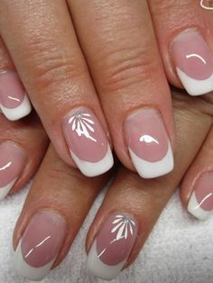Keeping up with nail art trends can be overwhelming. Here are the top seven timeless nails design of all time. French Nail Art, French Tip Nails, Nagellack Trends, Floral Nail Art, Best Nail Art Designs, Hot Nails, Stylish Nails, Types Of Nails, Beautiful Nail Art