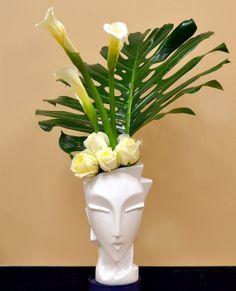Monstera Leaf, Polo Roses, Calla Lillies