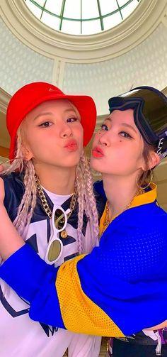 Twice Wallpaper, K Wallpaper, Kpop Girl Groups, Kpop Girls, K Pop, My Girl, Cool Girl, Walpapers Cute, Bts Concept Photo