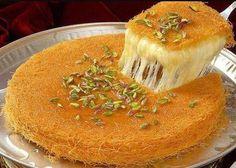 מתכון לכנאפה מתוק Lebanese Desserts, Lebanese Recipes, Turkish Recipes, Persian Recipes, Lebanese Cuisine, Arabic Recipes, Ethnic Recipes, Arabic Dessert, Vegan Recipes