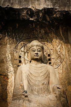 Buddha, Longmen Grottoes, Dunhuang, China - 奉先寺盧舍那大佛 -  Flickr - Photo Sharing!