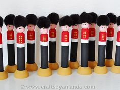 Soldier ornaments, and not just from the Nutcracker, are popular for Christmas. While the Queen's Guard of Buckingham Palace in England may not be as common, they are a wonderful addition to the Christmas tree and so fun to make with your child! Have fun! Nutcracker Christmas, Noel Christmas, Christmas Projects, Holiday Crafts, Holiday Fun, Christmas Ornaments, Xmas, Christmas Ideas, Nutcracker Crafts