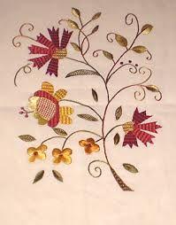 Resultado de imagem para bordado de castelo branco azul Jacobean Embroidery, Indian Embroidery, Cross Stitch Embroidery, Embroidery Patterns, Hand Embroidery, Flower Landscape, Gold Work, Color Patterns, Needlework