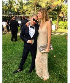 Jason Wu et Constance Jablonski http://www.vogue.fr/mariage/inspirations/diaporama/le-mariage-de-jason-wu-et-gustavo-rangel-a-tulum-au-mexique/30865#jason-wu-et-constance-jablonski