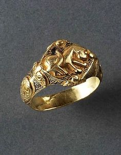 Islamic Gold Ring with Feline  Period  12th Century ADCulture  Islamic
