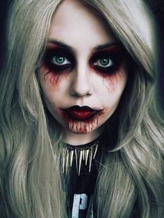 Halloween Vampire Makeup: Halloween is coming so let's dedicate a series of special items for this celebration. You know the Vampire makeup for Halloween. Looks Halloween, Creepy Halloween Costumes, Halloween 2015, Halloween Vampire, Women Halloween, Spirit Halloween, Holiday Costumes, Happy Halloween, Scary Vampire