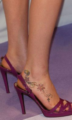Celebrity tattoos you just have to gawp at! Our round-up of the best and worst celebrity body art. High Heel Tattoos, Foot Tattoos, Stone Tattoo, Stiletto Heels, High Heels, Joss Stone, Memorial Tattoos, Mini Tattoos, Fashion Heels