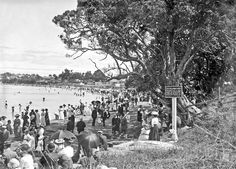 Crowded Lake Beach, Takapuna, ca. Lake Beach, The Golden Years, History Photos, Local History, Auckland, Once Upon A Time, Old Photos, New Zealand, Coast