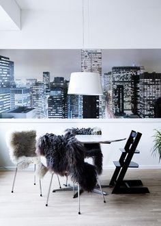 The Klein: Color in Copenhagen. Home Design Decor, House Design, Home Decor, Fine Dining, Dining Area, Tripp Trapp Chair, Paris Home, City Scene, Dining Room Inspiration