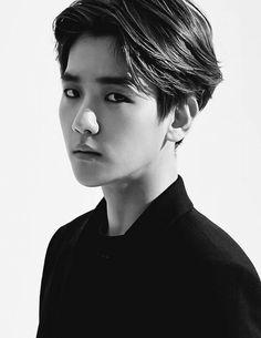 Find images and videos about exo and baekhyun on We Heart It - the app to get lost in what you love. Kpop Exo, Exo K, Baekhyun Hot, Kyungsoo, Exo Ot12, Chanbaek, Baekyeol, K Pop, Kim Minseok