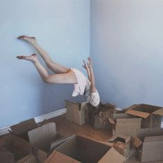Floating. Packing.